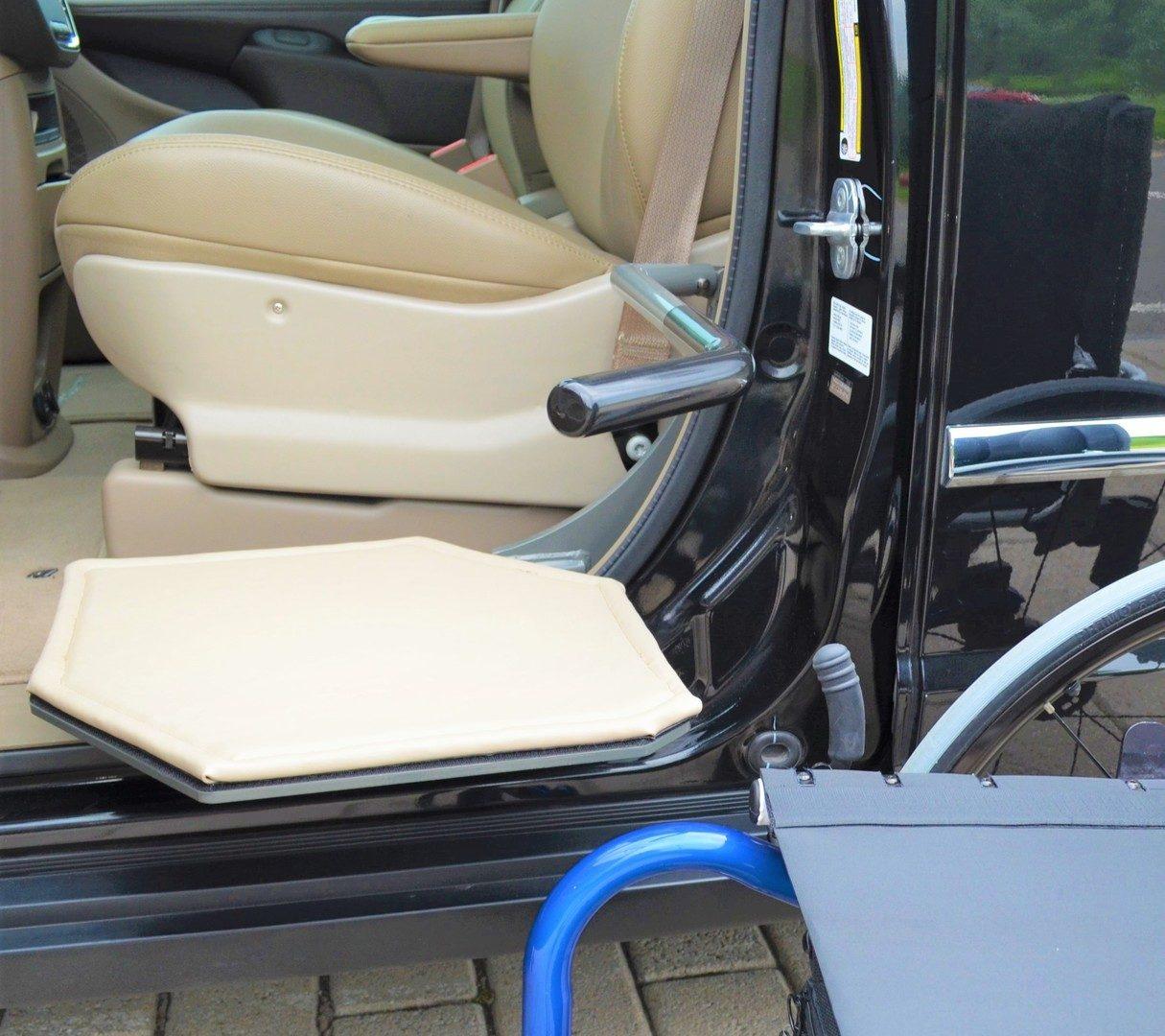 NAi Adapt Solu XL-SEAT tight crop 2